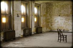 DSC_2121 (DianeBerky19) Tags: ellisisland newjersey nikond750 18140mm windows chair
