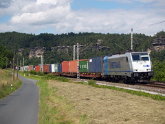 Metrans 186 437 (jvr440) Tags: railroad train railways trein spoorwegen rathen kurort locomotief goederentrein containertrein br186 metrans