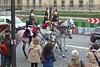 2016.06.03.098 PARIS - La Garde Républcaine, garde au drapeau (alainmichot93 (Bonjour à tous et Bonne année)) Tags: 2016 france îledefrance seine paris garderépublicaine cavalerie cavalier uniforme cheval streetlife