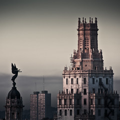 Twilight Zone (PetterPhoto) Tags: city urban statue skyline architecture twilight nikon havana cuba metropolis nikkor gotham 18200 zone lahabana fritzlang d300s petterphoto