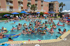 2013 rits sat pool party (15)