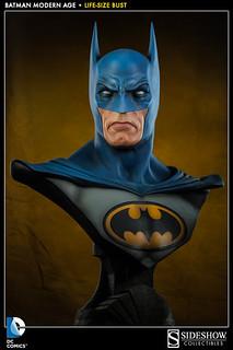 SIDESHOW 蝙蝠俠1:1胸像 70年代經典配色版