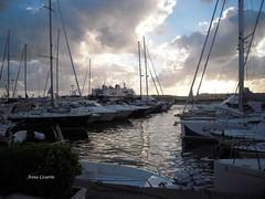 variazioni di luce.. (angelaeh52) Tags: nuvole barche porto riflessi scafi