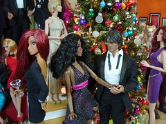 Reece gets lucky (MiskatonicNick) Tags: christmas party doll dolls reese 16 goemon colette diorama reece integrity hottoys fashionroyalty sixthscale toyville playscale dynamitegirls