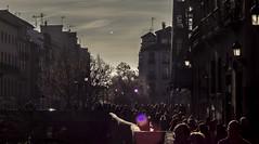 Caminando junto al Darro (El hermano Montgolfier) Tags: espaa spain andalucia espana granada andalusia darro caminantes aceradeldarro vision:mountain=051 vision:sunset=0642 vision:sky=0579 vision:clouds=0549 vision:outdoor=0775