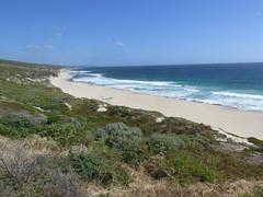 "Petite plage australienne... <a style=""margin-left:10px; font-size:0.8em;"" href=""http://www.flickr.com/photos/83080376@N03/15740538674/"" target=""_blank"">@flickr</a>"