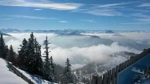 Snowboarden Steinplatte und Wilder Kaiser