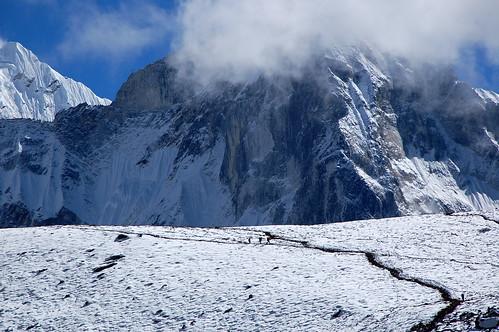 """Everest Base Camp - dorga na Ama Dablam <a style=""""margin-left:10px; font-size:0.8em;"""" href=""""http://www.flickr.com/photos/125852101@N02/16356082517/"""" target=""""_blank"""">@flickr</a>"""