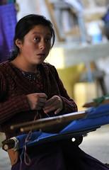 Loom (tonuzi) Tags: portrait girl mexico nikon maya nativeamerican textile chiapas weaving artisan sancristobaldelascasas loom indigenous centralamerica handcrafts zinacantán d300s skilledlabor