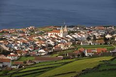 Isla Terceira (Azores-Portugal). Ribeiria  desde el Mirador de la Serra da Ribeiria (santi abella) Tags: portugal azores aores ribeirinha islaterceira