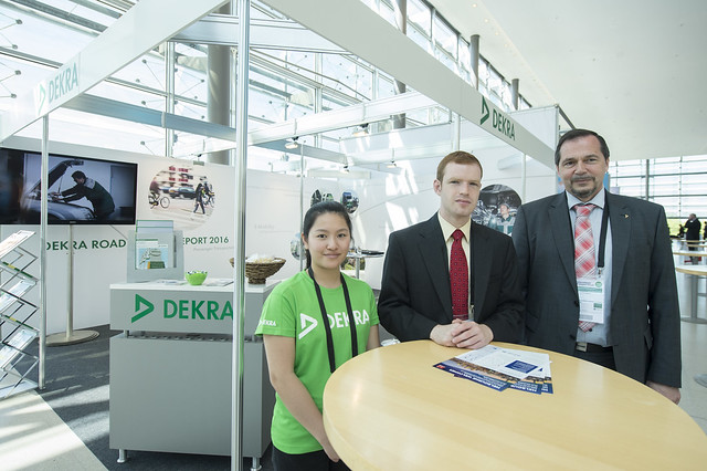 Walter Niewöhner at the DEKRA stand