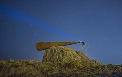 Monumento al voyeur  (nocturna) (Oscar_Rodriguez) Tags: light luz azul night noche monumento escalera estrellas nocturna roca caracola iluminacion iluminar linterna monumentoalvoyeur