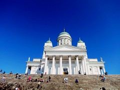 Helsinki (Carlo Mirante) Tags: street city travel sky people scale canon photo helsinki foto blu baltic cielo viaggi architettura finlandia cattedrale s200 fotografando