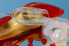 Spring Love 2 (Michelle Christin) Tags: red sun macro rot rose canon mirror shoes highheel pumps heart spiegel chic elegant stiletto makro sonne herz schuhe nobel lack elegance sektglas champagneglass