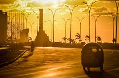 MMR_8852 (www.obstinato.com.ar) Tags: sea island mar seaside havana cuba paseo malecon cuban centralamerica malecn caribe lahabana cubanos martimo 2016