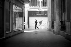 El Cronómetro (fernando_gm) Tags: street city people blackandwhite bw españa man blancoynegro monochrome 35mm person persona monocromo calle sevilla spain fuji gente seville fujifilm callejera monocromatico xt1