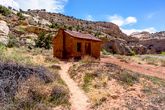 Old Homestead (Roshine Photography) Tags: door chimney window path bluesky trail cure cluds capitalreefnationalpark cabinetinstall buildingsandstructures scrubbrush derelectbuildings pentaxk3ii 2016utahtrip