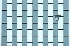 EINSAME STRASSENLATERNE (rolleckphotographie) Tags: urban lamp architecture facade lampe sony minimal simplicity architektur minimalism fassade leverkusen slta65v rolleckphotographie stefanrollar