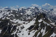 Zillertal: Ausblick vom Hippold (2.643m) auf die Eiskarspitze (2.511m) (dscheronimo) Tags: panorama mountain mountains berg trekking landscape austria sterreich hiking sony natur berge alpen tux landschaft wandern zillertal massiv rx100 bergkamm eiskarspitze hippold