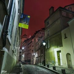 France / Paris / Montmartre (Pablo A. Ferrari) Tags: street longexposure sky urban paris france architecture night noche calle arquitectura montmartre urbano nightsky francia nuit nocturne parisian parisien ruecortot pabloferrariphotography