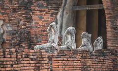 Still waiting (Tricycl) Tags: woman 3 brick monument statue canon thailand temple women ruins mark iii thalande 200 thai l 5d mm wat 70 70200 chai ayutthaya ruines 70200mm 200mm chaiwatthanaram watthanaram