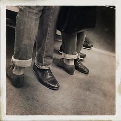 (vigreux.dominique) Tags: paris shoes amoureux mtropolitain