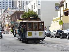 tram (imma.brunetti) Tags: sanfrancisco california america strada tram cablecar pendenza turisti finestre rotaie macchine statiuniti lineaf