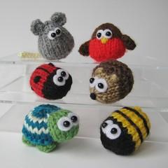 Teeny Animal knits (Knitting patterns by Amanda Berry) Tags: animal toy knitting pattern small mini jewellery accessories knitted teeny quick amandaberry