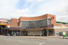 Perivale Station (Snappy Pete) Tags: uk greatbritain england london architecture buildings transport tube trains londonunderground railways ealing centralline stations perivale tubestations undergroundstations