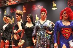 Enkele dames op de rode loper (Bobtom Foto) Tags: copyright prijs film utrecht gouden filmfestival vpro kalf stadsschouwburg nff travestiet kalveren nff2013