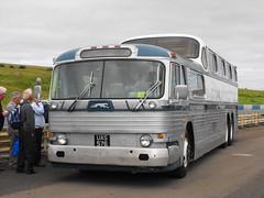 UAS 576, GMC PD-4501 Scenicrusier @ Showbus 2013 (Andy Reeve-Smith) Tags: usa greyhound gm unitedstates diesel gmc stratforduponavon generalmotors detriot showbus scenicruiser longmarston pd4501 showbus2013 uas576
