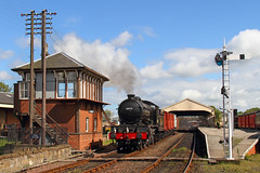 Leaving Bo'ness (Treflyn) Tags: black station train photo br events scottish rail railway loco photographic class steam timeline british locomotive society 440 boness charter preservation morayshire lner srps kinneil gresley d49 62712
