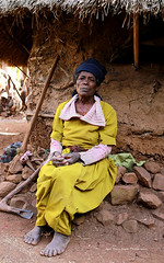 Petit village de Nechisar (jmboyer) Tags: voyage africa travel portrait people tourism face canon photo yahoo flickr african religion culture tribal viajes blackpeople omovalley lonely lonelyplanet ethiopia tribe ethnic canoneos civilisation gettyimages visage nationalgeographic afrique 6d tribu ethiopian nomade omo eastafrica ethiopie googleimage go tribus omorate turmi africanethnicity ethnie indigenousculture yahoophoto africanculture impressedbeauty ethiopianwoman southethiopia photoflickr afriquedelest photosflickr photosyahoo imagesgoogle photoyahoo photogo nationalgeographie jmboyer photosgoogleearth eth0184