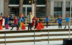 IJspret in Zierikzee (Omroep Zeeland) Tags: kinderen zierikzee ijspret temperatuur8graden