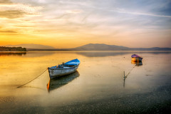 Hot sunset (Nejdet Duzen) Tags: trip travel sunset lake reflection nature turkey boat trkiye sandal gnbatm gl yansma turkei seyahat manisa doa kayk glmarmara
