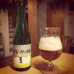 "#beeroftheday: #mikkeller ""it's alive"". (mecl67) Tags: beer square ale squareformat bier danemark earlybird craftbeer mikkeller iphoneography iphone6 instagramapp belgianwildeale"