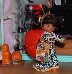 Halloween 2015 IMG_3814 (Creative.Gal.62) Tags: fall halloween ken barbie tommy kelly diorama