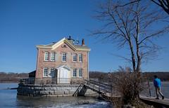 Saugerties Lighthouse (Tooi Ake) Tags: new york lighthouse river hudson saugerties