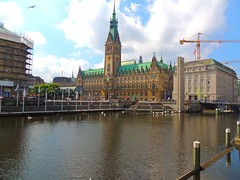 Rathaus in Hamburg (Sophia-Fatima) Tags: deutschland hamburg rathaus alsterfleet