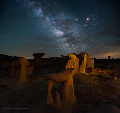 Alien City at Night (Wei, Willa) Tags: newmexico ngc milkyway valleyofdreams aliencity willawei