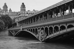 Pont Bir hakim (sergio fuster) Tags: bw paris blancoynegro rio seine river puente pont brigde fleuve sena crue paris15 birhakim crecida