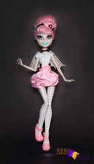 Rochelle Ghoul Chat (PurpleandOrangeMH) Tags: rochelle basic soll mueca monster high punta arenas chile orange purple freak du chic ghoul chat haunted scaris zombie shake ghouls night out