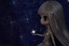 Among the Stars (EternallyRose) Tags: stars star doll space outerspace vignette starburst rhiannon orangeeyes inspace spacethefinalfrontier clonebrush dollphotography byul platinumhair editingtechnique pullipanddaldollloversevent byulrhiannon corelpaintshopprox7 nikond750 afsnikkor24120mmf4gedvrlens puddle2016 byulsteampunkprojectrhiannon retrolabeffect puddle2016photoandartcontest