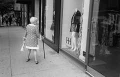 Never Too Young To Be Fashion-Conscious (shudaizi) Tags: street nyc newyorkcity blackandwhite usa newyork film 35mm lens manhattan places developer northamerica genre 2014 xtol acros100 leicasummicron35mmf20asph