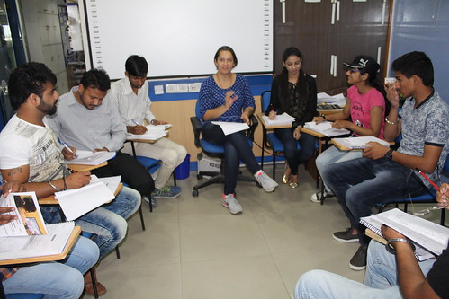 IELTS speaking class conducted by native speaker trainer officer at LinguaSoft Edutech Chandigarh