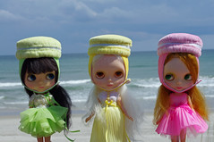 Kenners On The Beach.................<3 (blythe stole my heart) Tags: ingrid cammy kennerblythe emeraldisleouterbanksnorthcarolina