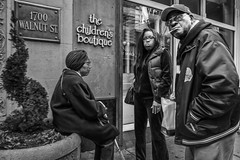 Walnut Street, 2016 (Alan Barr) Tags: street people blackandwhite bw philadelphia monochrome mono blackwhite candid group streetphotography sp streetphoto gr ricoh walnutstreet 2016