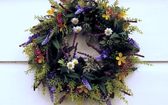 Ring of Flowers ( Rosemarie Christina  [Catching up]) Tags: flowers summer colour floral july garland wreath krans guirlande flickrelite prettyworld