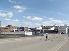 Banbury Station (ell brown) Tags: greatbritain england unitedkingdom taxi taxis carpark oxfordshire britishrail banbury chiltern cherwell disabledparking nationalrail chilternrailways tramwayrd banburystation chilternmainline fastfrequenttrainstolondonandbirmingham