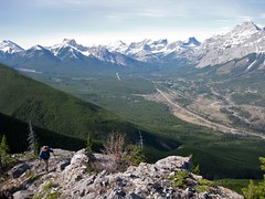 G8 Summit Scramble 7 (benlarhome) Tags: mountain canada montagne trekking trek kananaskis rockies spring hiking hike alberta rockymountain rockymountains scramble g8 gebirge scrambling